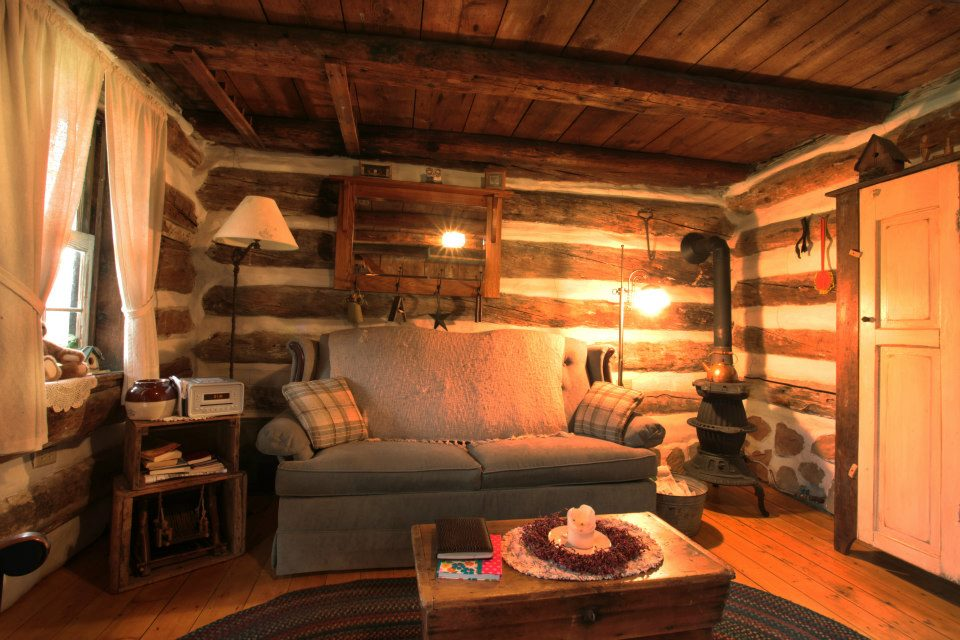 Small Cabin For Rent · Relaxing Vacation Getaway